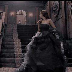 Queen Aesthetic, Princess Aesthetic, Classy Aesthetic, Dark Fairytale, Fairytale Dress, Ball Dresses, Ball Gowns, Foto Fantasy, Dark Princess