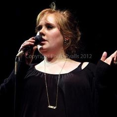 Photo @PhilipRyalls    Adele - Somerset House, London, July 19, 2008