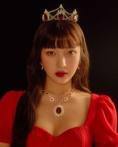 Red Velvet's Seulgi and Joy are queens in red in individual teaser images for their upcoming concert 'La Rouge'.Red Velvet previously reveal… Red Velvet 衣装, Red Velvet Seulgi, Kpop Girl Groups, Kpop Girls, Red Velvet Photoshoot, Red Velet, Joy Instagram, Joy Rv, Girl Crushes