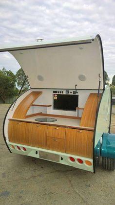 Gidget teardrop camper takes sliding approach to extra space Gidget Retro Teardrop Camper, Teardrop Trailer Interior, Teardrop Trailer Plans, Building A Teardrop Trailer, Teardrop Caravan, Teardrop Campers, Micro Campers, Airstream Interior, Vintage Airstream