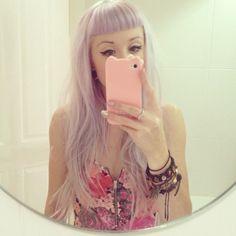 This light lilac hair is super pretty. Lilac Hair, Pastel Hair, Lavender Hair, Pastel Purple, Light Purple, Gyaru, Soft Grunge, My Little Pony Hair, Pastel Goth Fashion