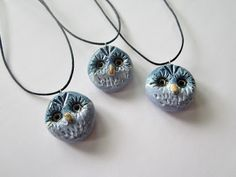 Ceramic Owls by pinterest.com/miiairene Ceramic Owl, Clay Ideas, Clay Art, Owls, Jewelry Art, Washer Necklace, Jewelry Making, Ceramics, Ceramica