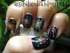 New Year's nails with fireworks and dryflowers