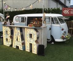 Food truck business, pop up cafe, food truck design Food Truck Business, Starting A Food Truck, Ice Cream Business, Portable Bar, Charcuterie And Cheese Board, Food Truck Design, Kiosk Design, Mobile Boutique, Bar Interior