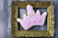 Last year I made Flower Bird Cookies for little Eva, this year, for her birthday I made Princess Crown Cookies. Sugar Cookie Recipe Fresh Lemon Royal Icing 10 second flood icing video tutorial Crown Cookie Cutter Crown Cookies, Bird Cookies, Cute Cookies, Flood Icing, Princess Cookies, Cookies For Kids, Flower Bird, Girly Things, Girly Stuff