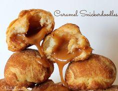 Ooey-Gooey Caramel Snickerdoodles : crescent rolls wrapped around caramel, rolled in cinnamon sugar Köstliche Desserts, Delicious Desserts, Dessert Recipes, Yummy Food, Healthy Food, Cookie Recipes, Baking Recipes, Yummy Treats, Sweet Treats