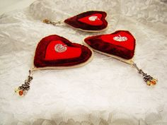 brooch / heart /Victorian Style/  soft sculpture / Felt Brooch /textile art/ Textile Brooch / jewelry /  machine embroidery/red heart
