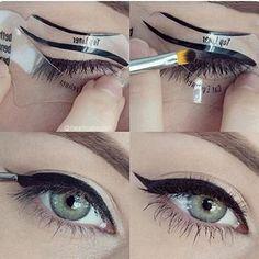 """Esta plantilla para """"cat eye"""" te ayudará a conseguir el delineado más perfecto que hayas visto."""