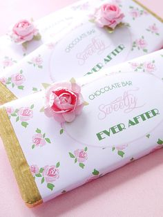 How sweet is this? Chocolate bars for #DIYwedding favors >> http://www.hgtv.com/design/make-and-celebrate/entertaining/diy-wedding-favors-pictures?soc=pinterest