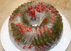 votive luminary using a bundt pan, cranberries and greenery