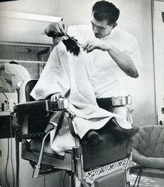 *** La coupe de cheveux