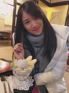 Makan ice-cream di Hokkaido