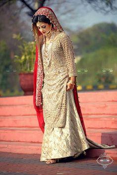 Pakistani Wedding Dresses, Indian Dresses, Indian Outfits, Desi Bride, Bridal Photoshoot, Asian Bride, India Fashion, Bridal Outfits, Couture Dresses