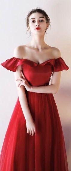 1348ec9ece4 Robe de soirée longue rouge vif sexy épaules dénudées à volants jupe effet  princesse
