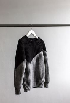 Random Inspiration 165 | Architecture, Cars, Style & Gear color block knitted chunky pullover. Black and white