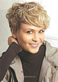 Hairstyle Layered Hair Styles For Short Hair Women Over 50 | Short Messy Hairsty… Hairstyle Layered Hair Styles For Short Hair Women Over 50 | Short Messy Hairstyle for Women: Easy Haircuts http://www.tophaircuts.us/2017/11/25/hairstyle-layered-hair-styles-for-short-hair-women-over-50-short-messy-hairsty/