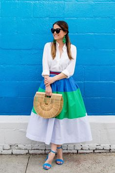 Jennifer Lake Style Charade in a blue green colorblock midi skirt, Cult Gaia Ark bag, and Sam Edelman Yaro sandals at a colorful mural in Brooklyn Dressy Outfits, Casual Wear, Casual Dresses, Summer Outfits, Look Fashion, Girl Fashion, Womens Fashion, Fashion Tips, Modest Fashion