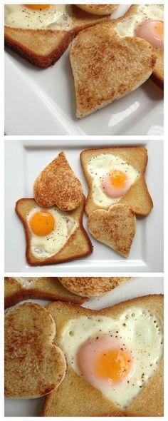 Egg In a Coronary heart Toast Breakfast Party, Breakfast Time, Breakfast Recipes, Snack Recipes, Cooking Recipes, Breakfast Ideas, Tostadas, Egg In A Hole, Egg Toast
