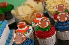 Football snacks! Football cupcakes are the perfect addition to any party.