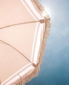 Retro beach umbrella from Land and Sand Essentials Beach Aesthetic, Summer Aesthetic, Aesthetic Photo, Aesthetic Pictures, Happy Summer, Summer Of Love, Retro Summer, Summer Breeze, Summer Vibes