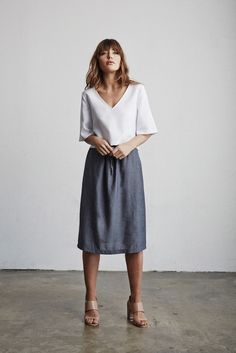 simple + chic white-grey outfit for work | Skirt the Ceiling | http://skirttheceiling.com