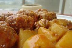 קציצות בשר ותפוחי אדמה בסיר אחד