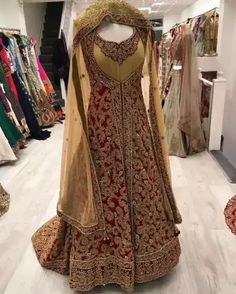 Check out this post - BRIDAL WEAR created by PRETTY WEARS 👗 and top similar posts, trendy products and pictures by celebrities and other users on Roposo. Indian Bridal Lehenga, Indian Bridal Outfits, Pakistani Outfits, Pakistani Bridal, Latest Bridal Dresses, Wedding Dresses, Engagement Dresses, Shadi Dresses, Indian Dresses