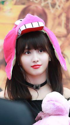 twice ♡ momo Nayeon, K Pop, Kpop Girl Groups, Korean Girl Groups, Kpop Girls, Twice Momo Wallpaper, Signal Twice, Divas, Twice Fanart