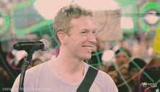 Hoje, 02 de marçode 2016, nosso vocalista completa39 anos! Confira algumas curiosidades sobre o cantor: Nome Completo: Christopher Anthony John Martin Nascimento: 2 de marçode1977, em Exeter,Devon,Inglaterra Signo: Peixes Estado Civil: Divorciado e tem 2 filhos – Apple e Moses Instrumento: Vocais,piano,guitarra, violão, bandolim,clarinete, harmónica.    Chris Martin nasceu emExeter, Devone é o …