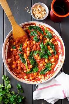 Spanish chickpea and spinach stew in a pan #vegan #glutenfree | Lazy Cat Kitchen