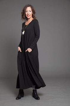 Black maxi dress  women large long sleeves maxi dress by TAPUmeyou