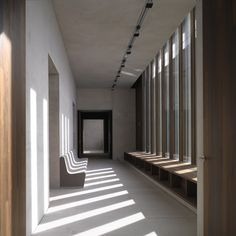 Via _roomonfire The Museum of Modern Literature in Marbach am Neckar, Germany by David Chipperfield Architects. German Architecture, Art And Architecture, Architecture Details, Library Architecture, Architecture Interiors, Luz Natural, Natural Light, David Chipperfield Architects, Light Study