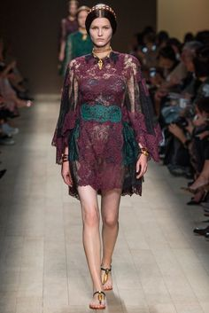 Valentino Spring 2014 Ready-to-Wear Fashion Show Collection