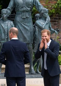 Prince Harry And Megan, Prince William And Catherine, Prince Henry, Harry And Meghan, Diana Statue, Harry Windsor, Royal Life, Queen Elizabeth Ii, Duke And Duchess