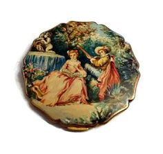 Hey, I found this really awesome Etsy listing at https://www.etsy.com/listing/195680983/summer-lovers-vintage-stratton-compact