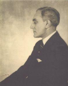 fantomas-en-cavale:    Etienne de Beaumont par Man Ray, vers 1926