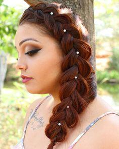 Trança lateral liinda ❤ #braids #bride #cabelos #casamento #doit #debutante #estyle #fashion #fotografia #glamour #hairstyle #hair #instabraid #inspiration #lifestyle #lipstick #love #model #makeup #noivas #nails #photography #penteados #summer #sun #tranças