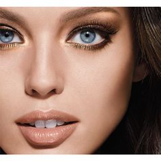Eye Shadow Palettes Expert Wear by Maybelline helps you create different longwear day & night looks, with sensual finish that last up to 12 hours.