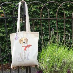 Let's make a dog mom happy with this cute tote bag!! Every dog lover needs one of these dog totes! They make a perfect gift. Www.lumisadesign.nl