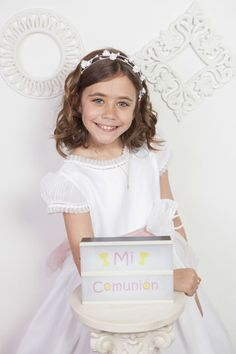 Reportaje de comunión de niña en estudio #fotografomadrid #comunionmadrid #bookcomunion Girls Dresses, Flower Girl Dresses, Wedding Dresses, Fashion, Photography Studios, Dresses Of Girls, Bride Dresses, Moda, Bridal Gowns