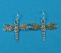 £26.00 incl tax  Sterling silver dragonfly design drop earrings.  Approx 3cm long. Kissing, Belly Button Rings, Gate, Buy And Sell, Drop Earrings, Sterling Silver, Ebay, Accessories, Jewelry