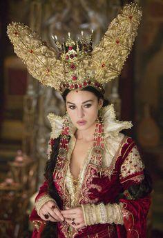 Злая Королева – Моника Белуччи из сказки «Братья Гримм», 2005 год