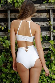 MAYLANA Lulu White Bottom Swimsuits, Bikinis, Swimwear, White Swimsuit, Model, How To Wear, Fashion, Bathing Suits, Moda