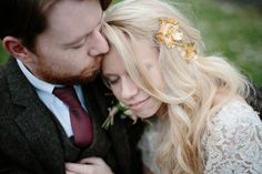 Bride wears a rose gold headpiece by Twigs & Honey | Photography by http://www.caroweiss.com/