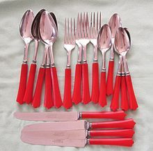 18 Pc Red Bakelite Handled General Cutlery Deco Flatware