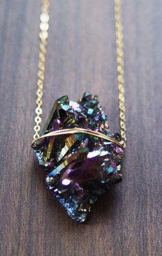 Titanium Druzy Necklace - One of a Kind My Style Titan Druzy Halskette Einzigartig von friedasophie Cute Jewelry, Jewelry Box, Jewelry Accessories, Fashion Accessories, Jewelry Necklaces, Fashion Jewelry, Jewelry Making, Gold Jewelry, Jewelry Stores
