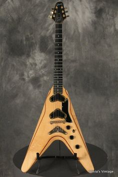 Gibson Flying V2 1980 Maple