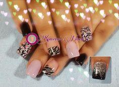 #nails #uñasbellas #uñasacrilicas #acrilycnails #uñas #diseño #kimerasnails #glitter #color #pink #pinkis #rosa #fresas #silver #black #lila #animalprint #fashionnails #fashion #sculpturenails #esculturales #sculpture