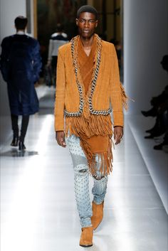 Sfilata Moda Uomo Balmain Parigi - Autunno Inverno 2019-20 - Vogue ee443c756be