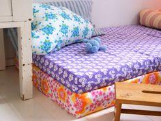 elle belle - skønne sager og lækkert design til børn: Lys og farverig indretning med plads til børn...